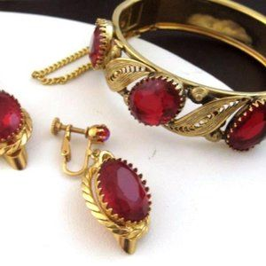 Goldtone Bracelet & Earrings set Red oval glass